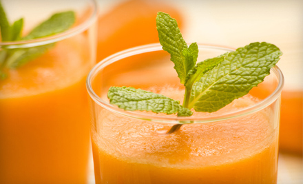 $17 for Five Organic-Juice Drinks at Deja Vu (Up to a $34.95 Value)
