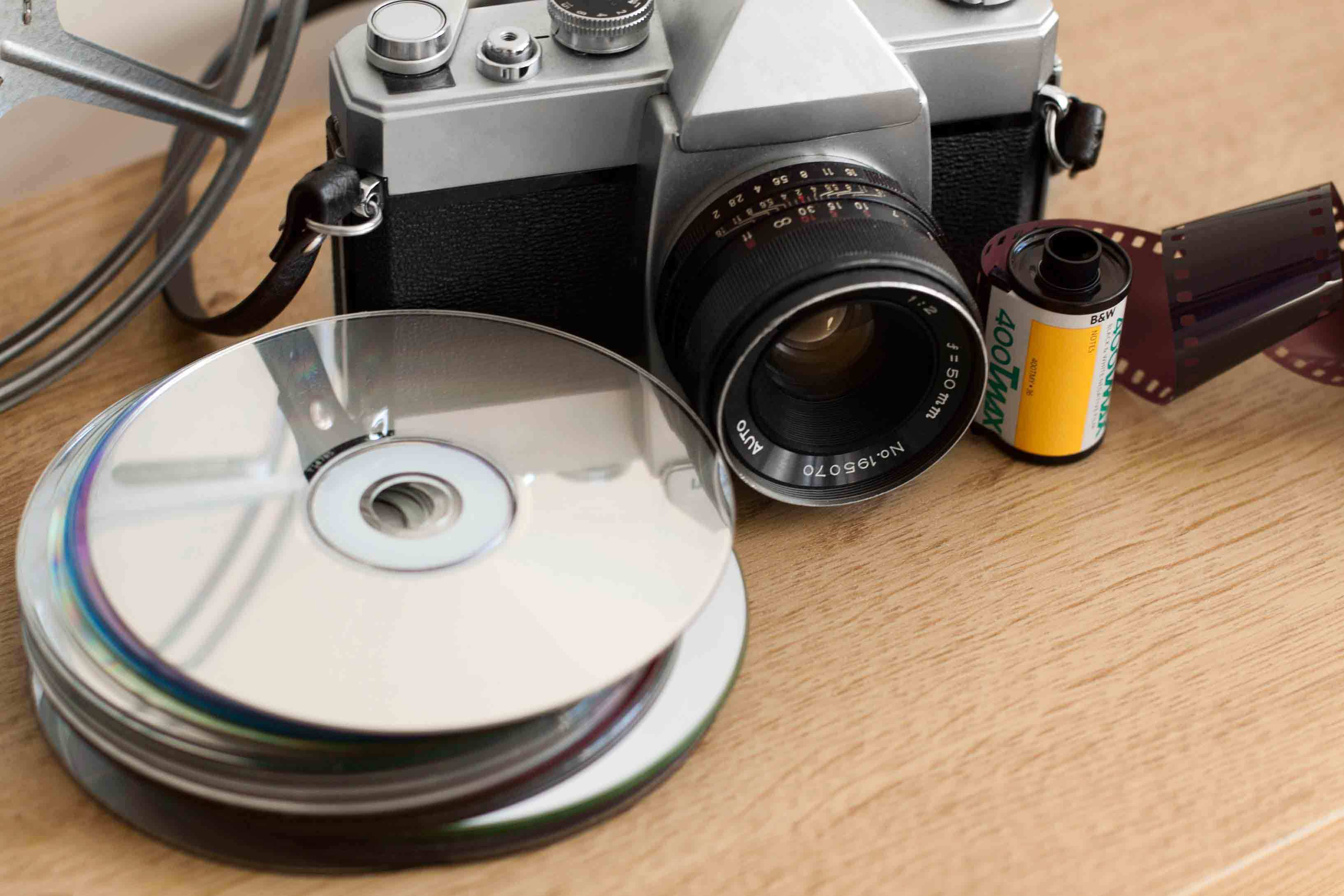 500 Photo, Letter, or Slide Scans or Up to 10 VHS-to-DVD Conversions from Forever Photos and Files (Up to 61% Off)