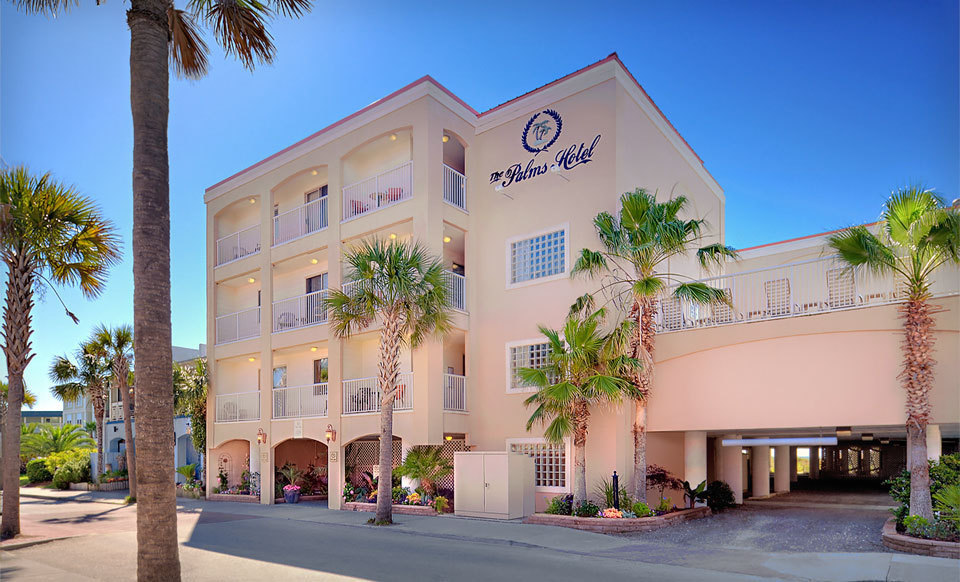 Stay at The Palms Hotel in Isle of Palms, SC, with Dates Through June