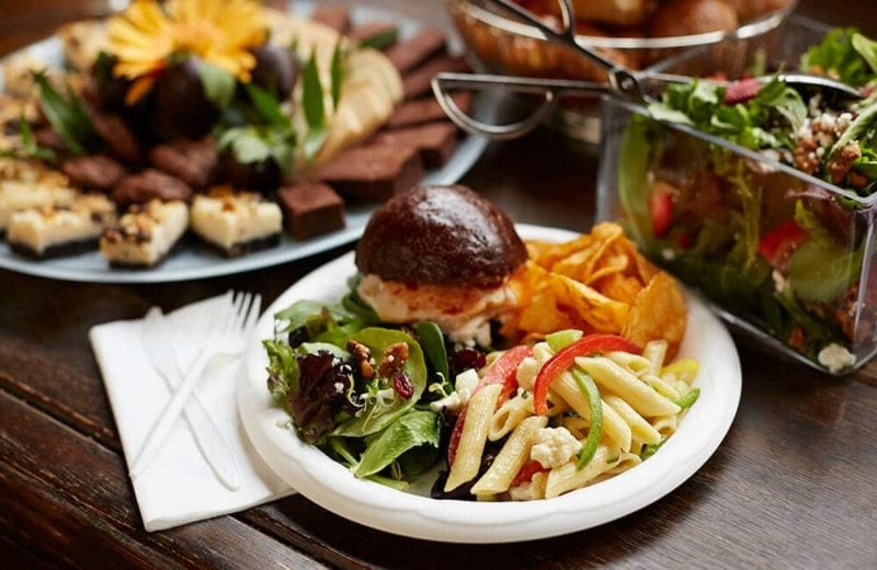 3 Benefits of Offering Catering: Buffet catering burger and dessert tray